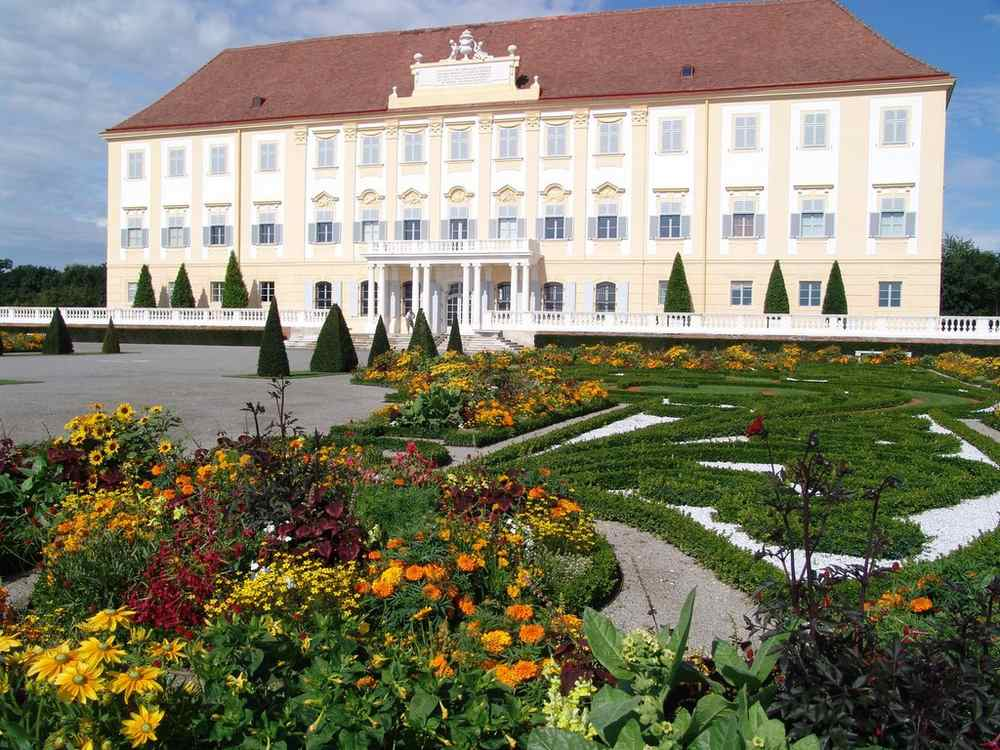 """Palace in Danube Valley"""